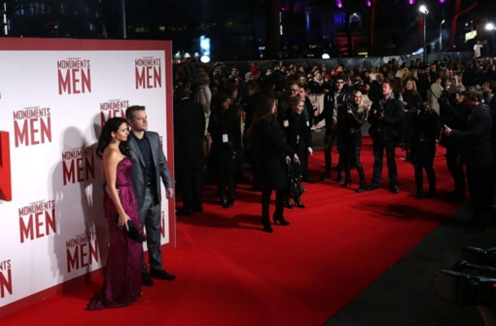 The Monuments Men haben Station in London gemacht: Matt Damon mit seiner Frau Luciana Barroso. Foto: Getty Images Europe