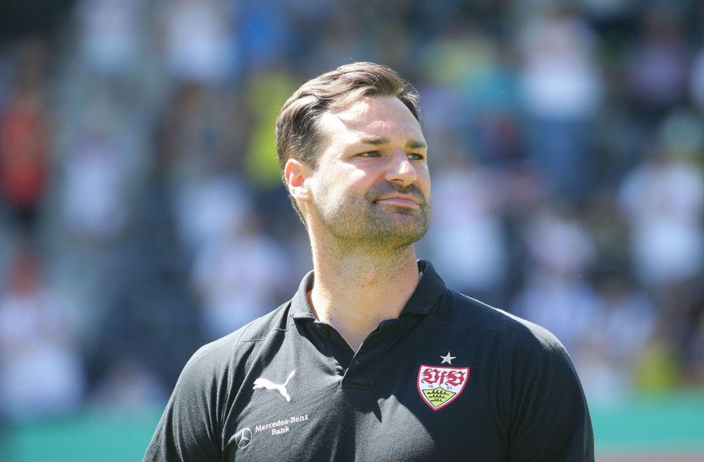 Trainer Daniel Teufel (34) hatte die Chefrolle vom damals  zu den Profis aufgestiegenen Nico Willig übernommen. In der neuen Saison wird Teufel  beim VfB Ausbildungsleiter für den Altersbereich U14 bis U16.  Foto:  Baumann