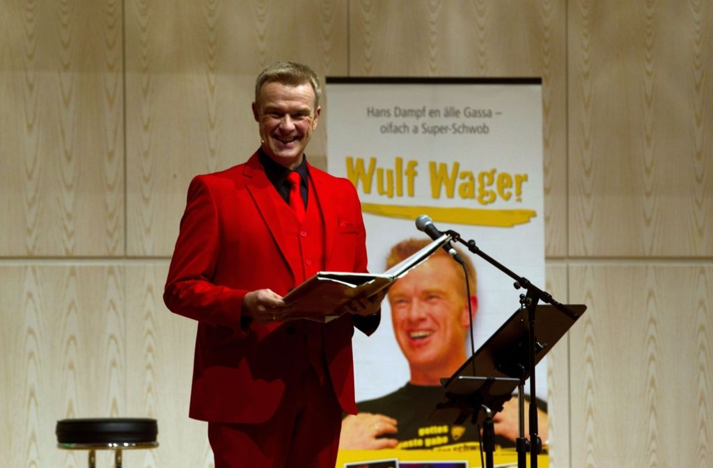 Hans Dampf  ganz in Rot: Wulf Wager Foto: Lichtgut Christian Hass