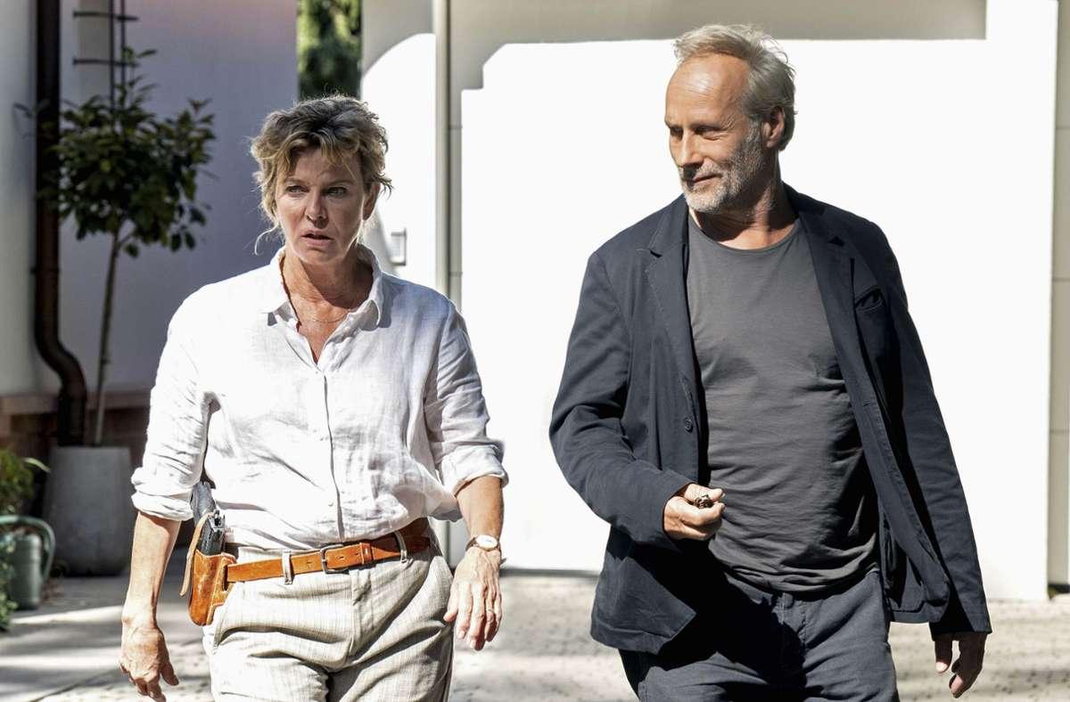 Anna Janneke (Margarita Broich) und Paul Brix (Wolfram Koch) im Einsatz. Foto: HR/Degeto/Bettina Müller