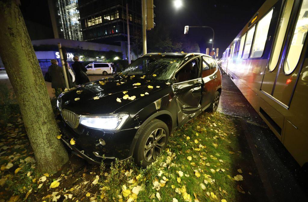 Die Autofahrerin hatte am Dienstagabend die Stadtbahn gerammt. Foto: 7aktuell.de/Simon Adomat