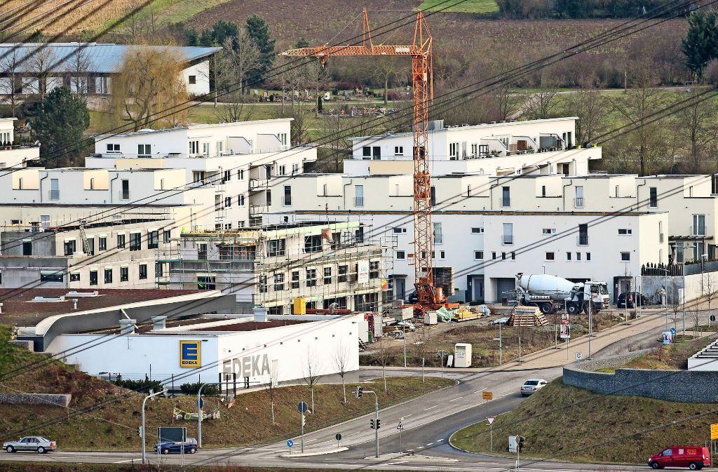 Die Gestaltung der Neckarterrassen – hier ein Archivbild –  stößt auf Kritik. Deshalb sollen einige Häuser im Neubaugebiet Schauinsland nun Satteldächer erhalten. Foto: factum/Granville