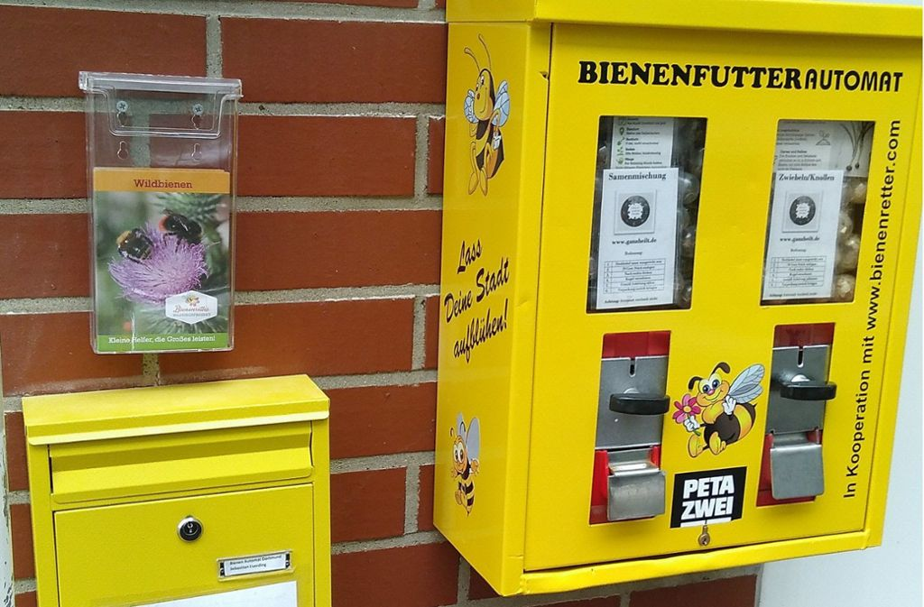 Bienenfutter statt Kaugummi aus dem Automaten in Dortmund. Foto: dpa