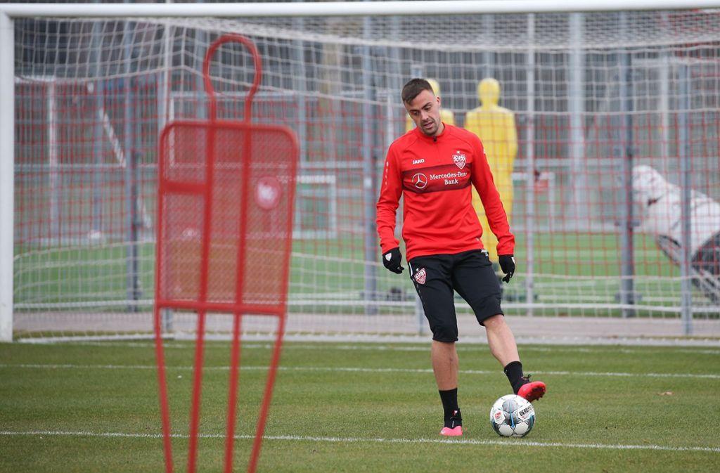 An diesem Dienstag darf auch der VfB Stuttgart und Philipp Förster wieder mit dem eingeschränktem Training beginnen. Foto: Baumann