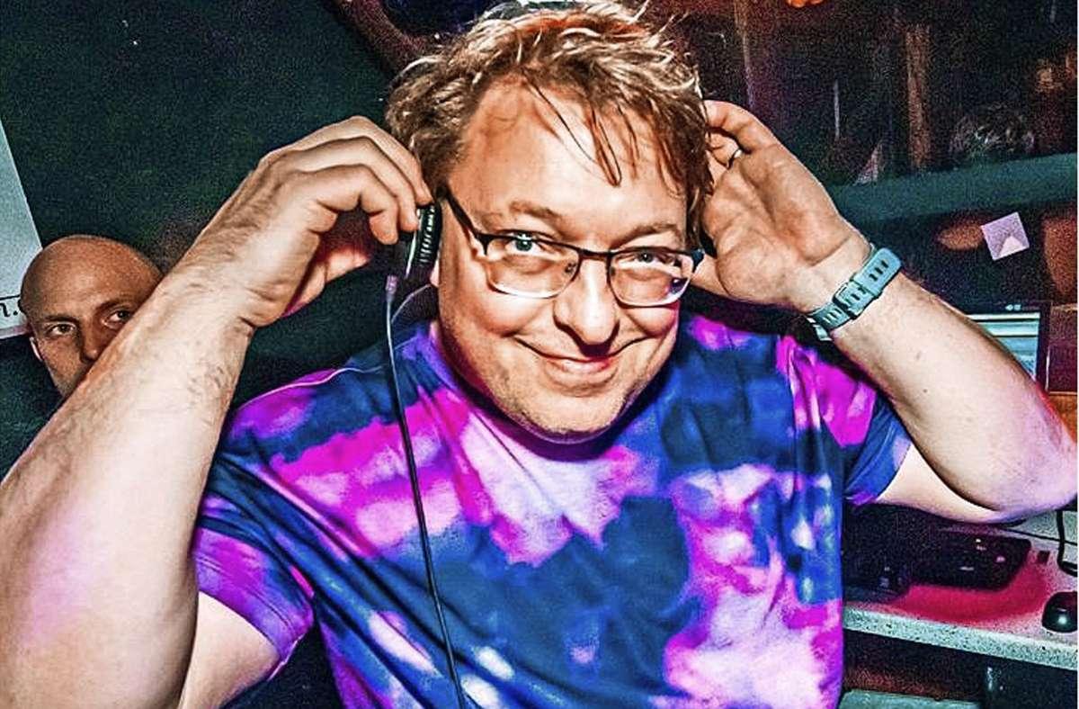 """DJ Jens Herzberg bricht auf zu einer """"Tour of Hope"""" und legt bei Stuttgarter Sehenswürdigkeiten auf. Foto: cf"""