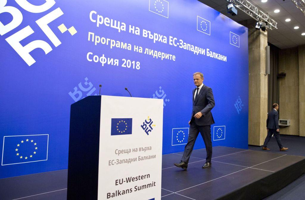 """Gipfelchef Donald Tusk hatte Trumps Kurs vor dem Treffen scharf kritisiert und eine """"geschlossene europäische Front"""" dagegen verlangt. Foto: AP"""
