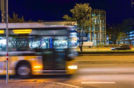 Fahrgäste retten ohnmächtigen Fahrer und stoppen Bus