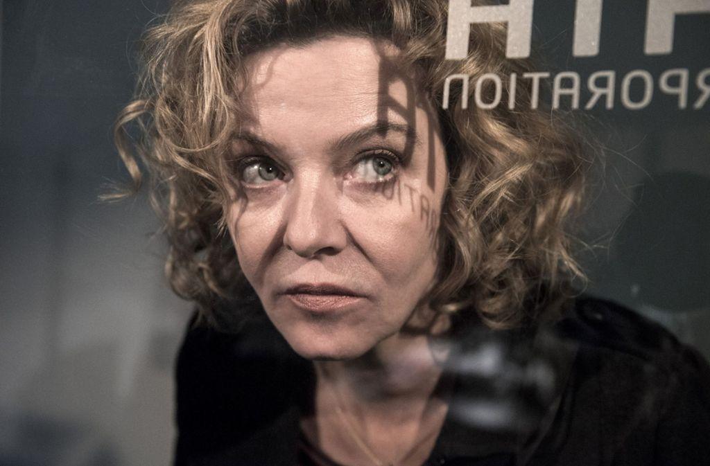Die Kommissarin  Anna Janneke (Margarita Broich) wagt sich zu weit vor – und läuft den Rest des Falles mit einem kleinen Loch im Kopf umher. Foto: HR