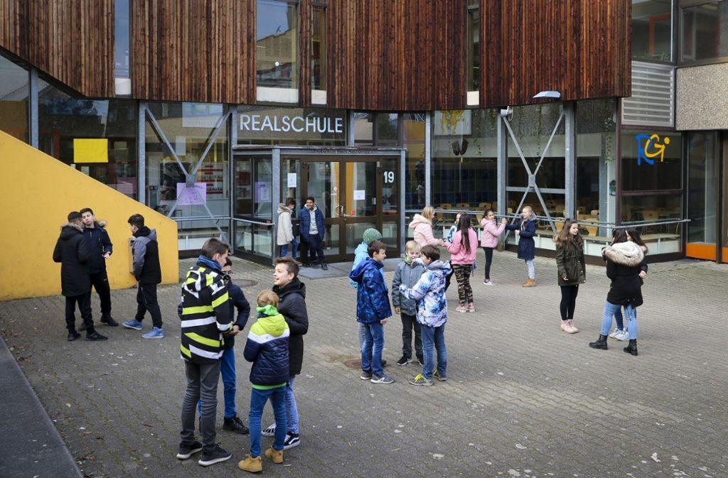 Auch der Pausenhof der Gerlinger Realschule wird sich verändern. Foto: factum/Archiv