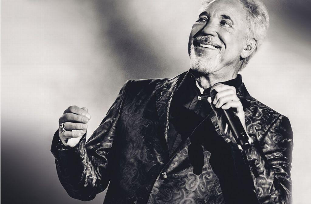 Tom Jones singt in  Ludwigsburg seine großen Hits. Foto: Eventim
