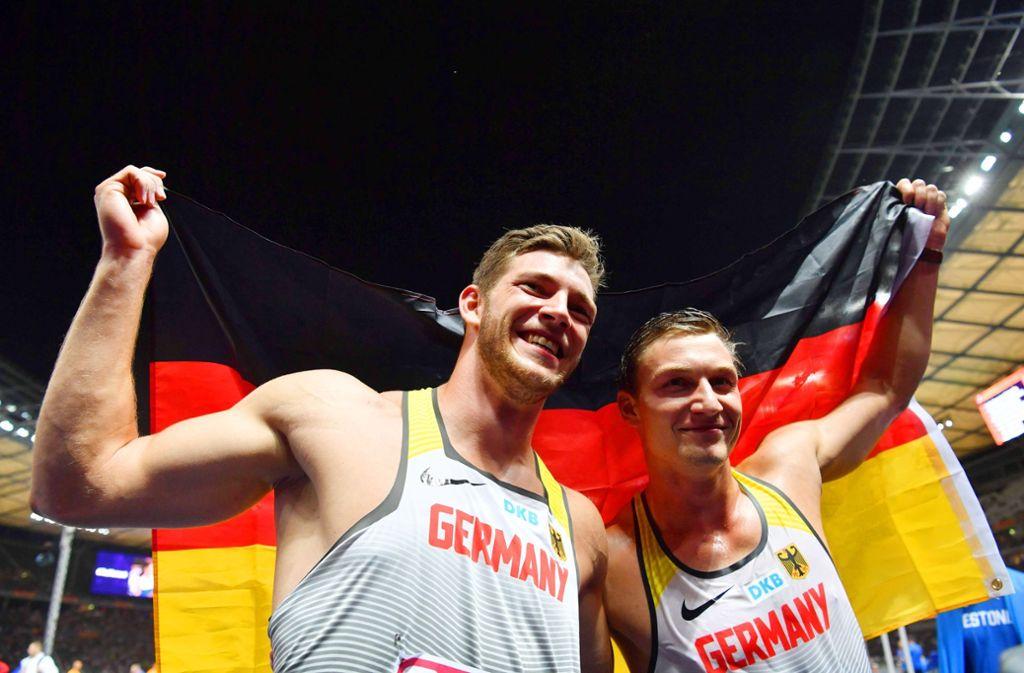 Sie sind gute Kumpels und erbitterte Rivalen: Andreas Hofmann (links) und Thomas Röhler. Foto: AFP/Andrej Isakovic