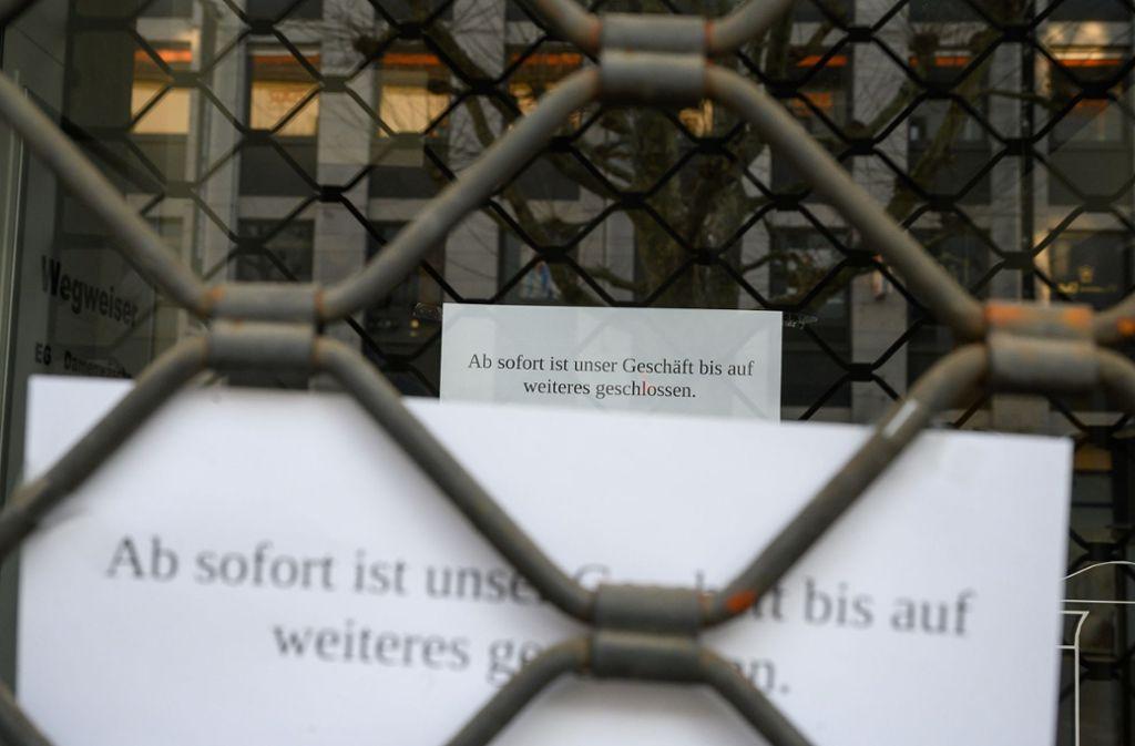 Nichts geht mehr bei den Geschäften in Stuttgart. Im Westen der Stadt werden nun Listen mit Läden und Restaurants erstellt, die in der Not auf einen Abhol- oder Lieferservice aufgebaut haben. Foto: dpa/Sebastian Gollnow
