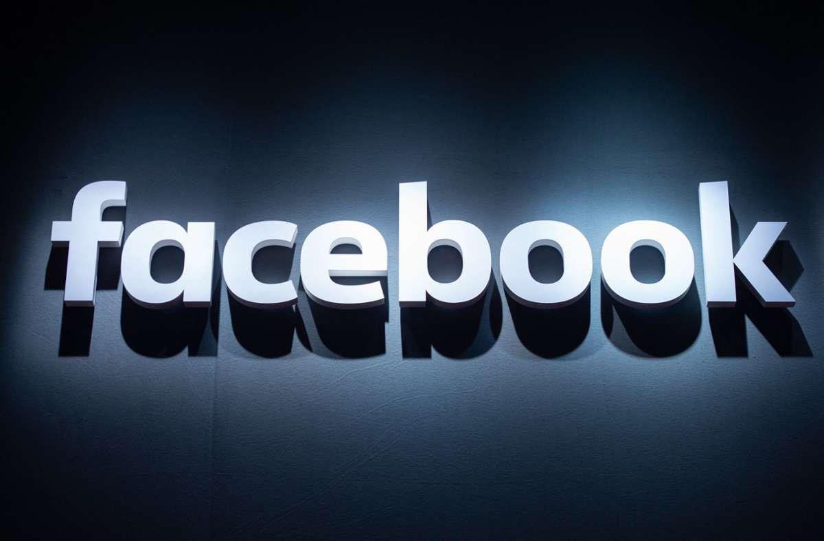 Facebook gerät wegen drohender Werbeeinbußen unter Druck. Foto: dpa/Christophe Gateau