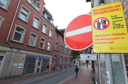In der niedersächsischen Universitätsstadt Göttingen gilt bereits ein Alkoholverbot. Foto: dpa