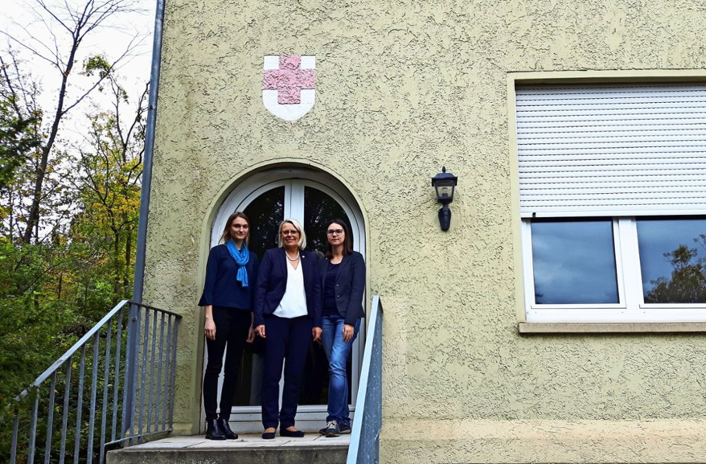 Von links: Schwester Janina Maier,  Oberin Susanne Scheck und Personalreferentin Katrin Kessler haben die Rückenstärkung vom Bezirksbeirat für ihre Pläne. Foto: Eva Funke