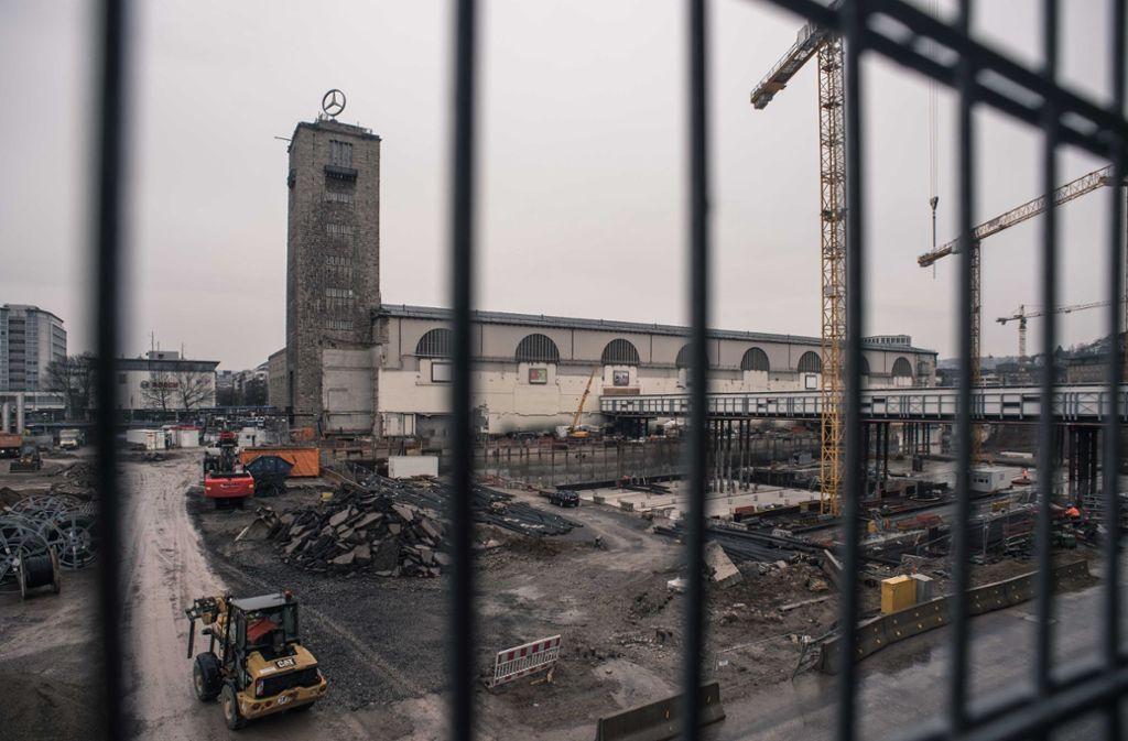 Während am Tiefbahnhof von Stuttgart 21 gebaut wird, geht der Streit über die Verteilung der hohen Mehrkosten in die nächste Runde. Foto: Lichtgut/Max Kovalenko