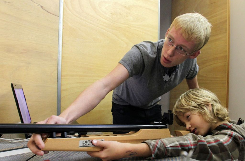 Laut SPD-Vertreter Hans-Georg Kerler  gehören Waffen  nicht in die Hände von Kindern und Jugendlichen. Foto: Archiv