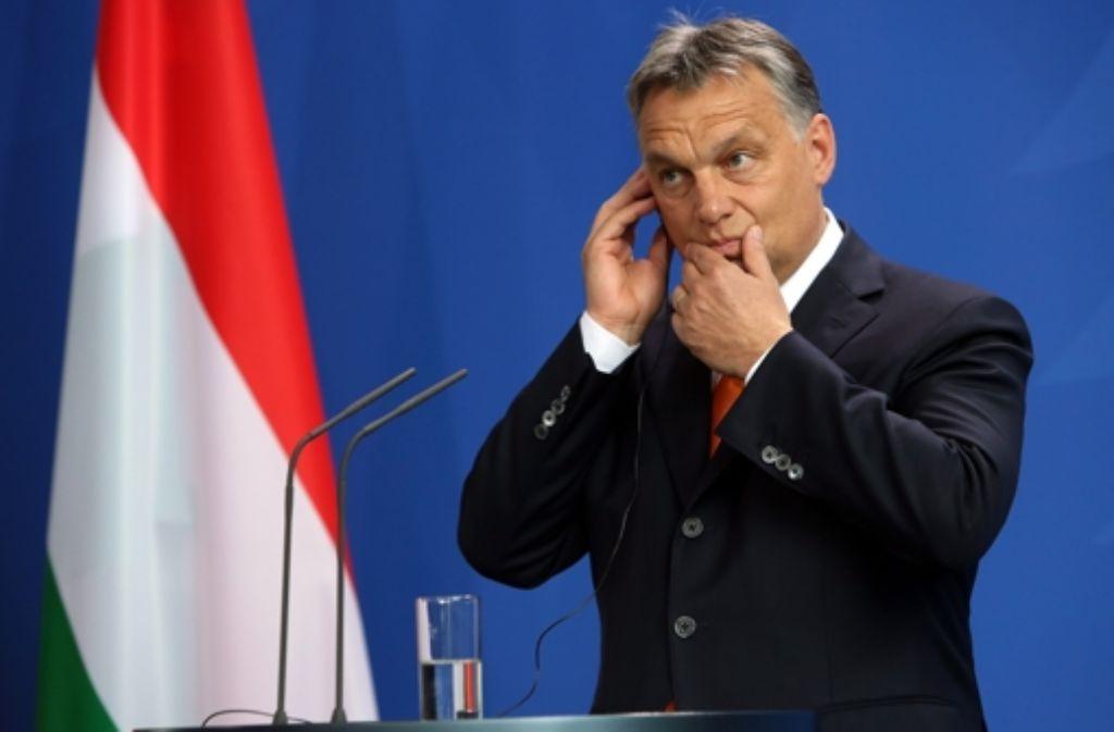 Ungarns Premier Orban gibt sich nach der verlorenen Wahl in Vezprem gelassen, muss aber damit leben, dass seine Beliebtheit bei den Wählern sinkt. Foto: AFP