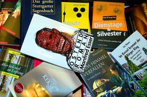 Den Ostendroman gibt es nur noch in Antiquariaten, alle anderen Bücher sind aktuell. Foto: Brand