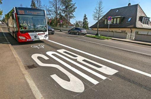Sind die Busse  unpünktlich und  zu  voll?