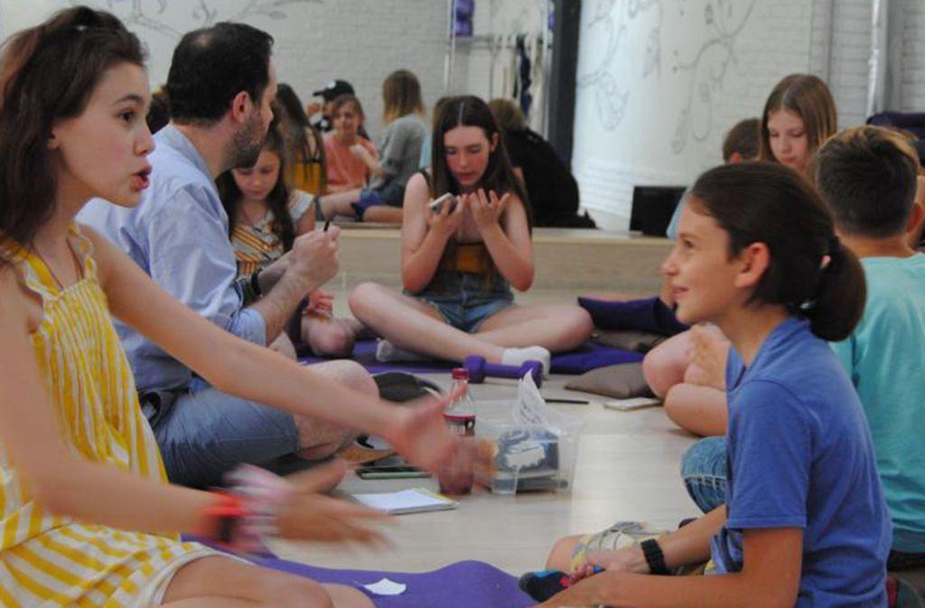 """Im Moskauer Sommercamp """"Funny Bell"""" setzt man auf Kreativität. Foto: Hartwich"""