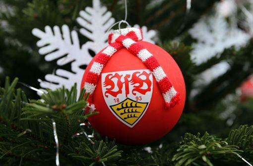 Jugend des VfB Stuttgart trällert Weihnachtslieder