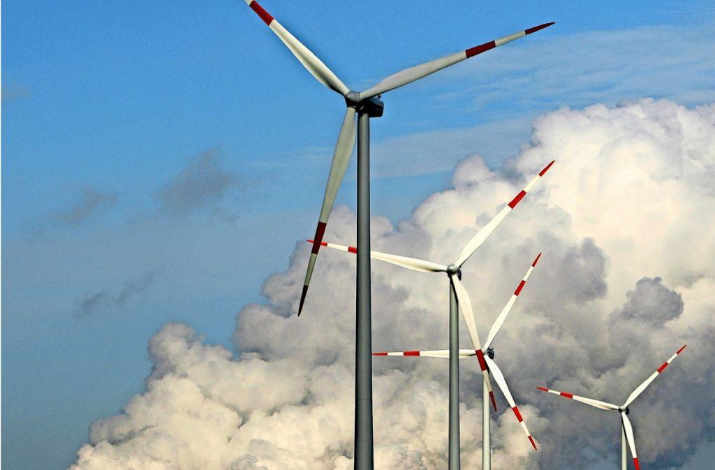Der Weg von fossilen Brennstoffen wie Kohle hin zu erneuerbaren Energien ist mühsam. Unternehmen kämpfen dabei mit sich verändernden Rahmenbedingungen. Foto: dpa-Zentralbild