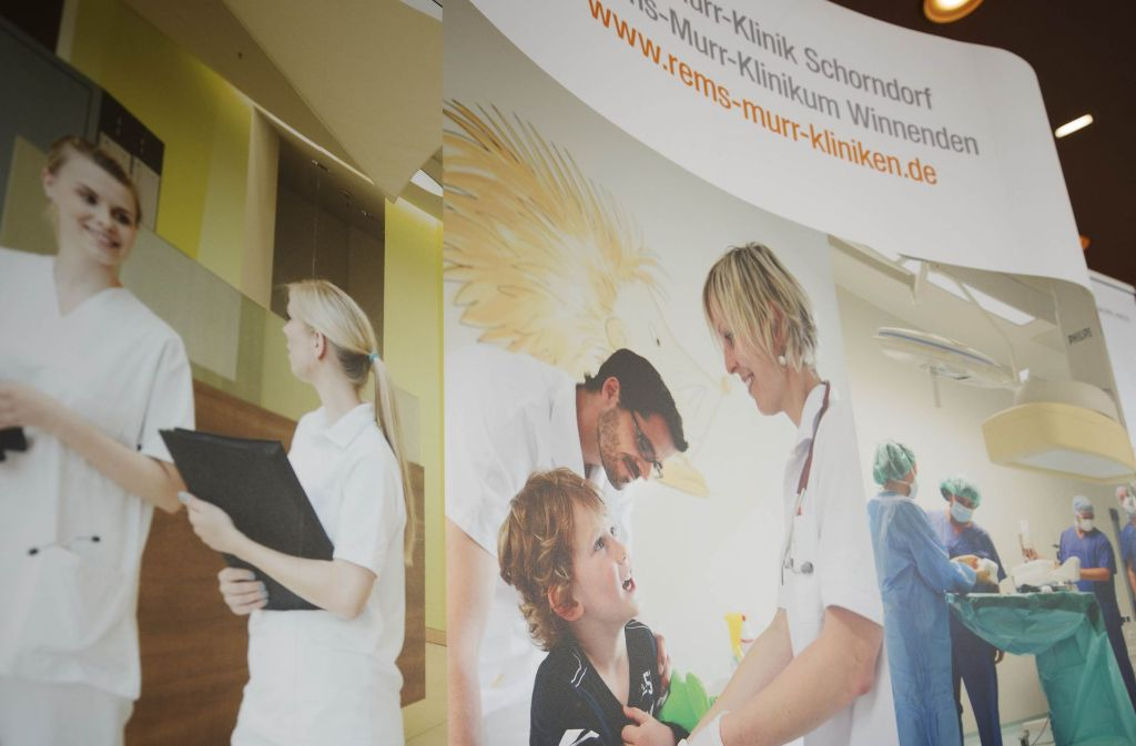 Auch die Kliniken im   Landkreis suchen mit bunten Bildern  Azubis. Foto: Gottfried Stoppel