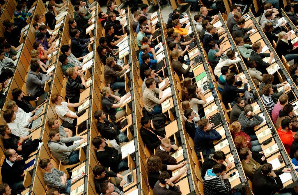 108 Hochschulen gibt es in Deutschland. 44 davon haben es in die Ranglisten von Times Higher Education geschafft. (Symbolbild) Foto: dpa
