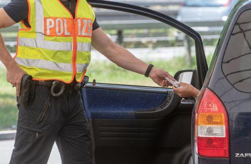 Männer streiten sich – Polizeieinsatz und Vollsperrung