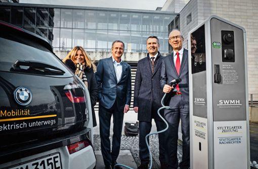 EnBW-Chef weiht neue E-Ladesäulen ein