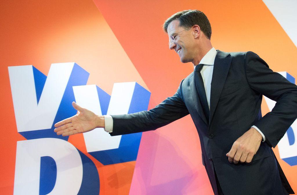 Die rechtsliberale Partei von Ministerpräsident Mark Rutte hat bei der Parlamentswahl den rechtspopulistischen Herausforderer Geert Wilders klar abgewehrt. Foto: dpa