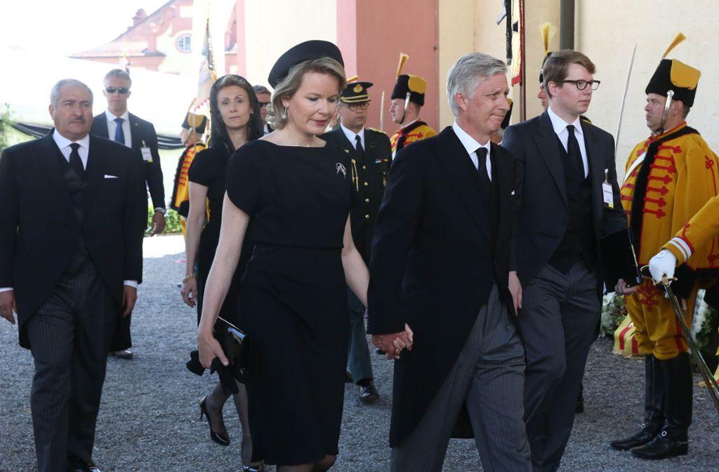 König Philipp und Königin Mathilde von Belgien kommen zur Trauerfeier von Friedrich Herzog von Württemberg. Foto: dpa
