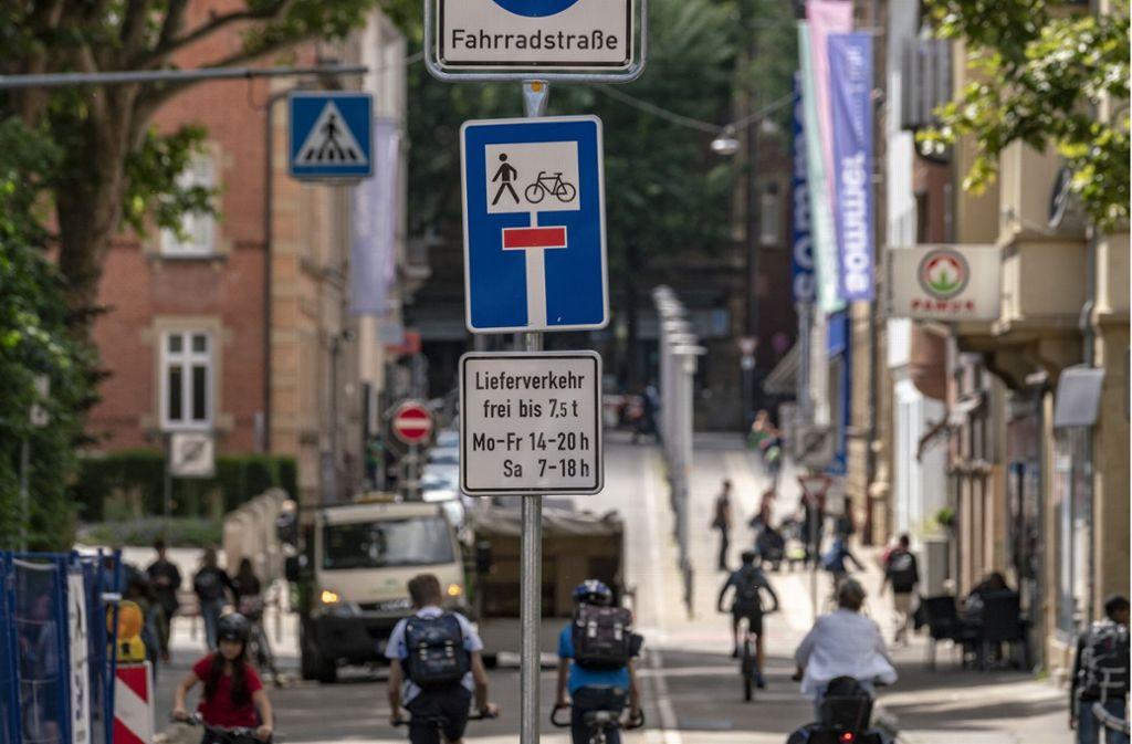 Die Nagelprobe für den Fortbestand der  Fahrradstraße, die vor allem morgens und nachmittags von Schülern stark genutzt, steht am Donnerstag bevor. Foto: factum/Weise