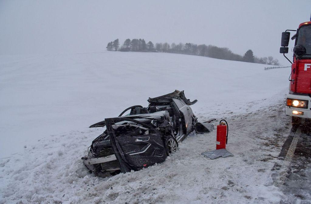 Einen schweren Unfall mit Verletzten hat es am Montagmorgen bei Bartholomä (Ostalbkreis) gegeben. Foto: SDMG