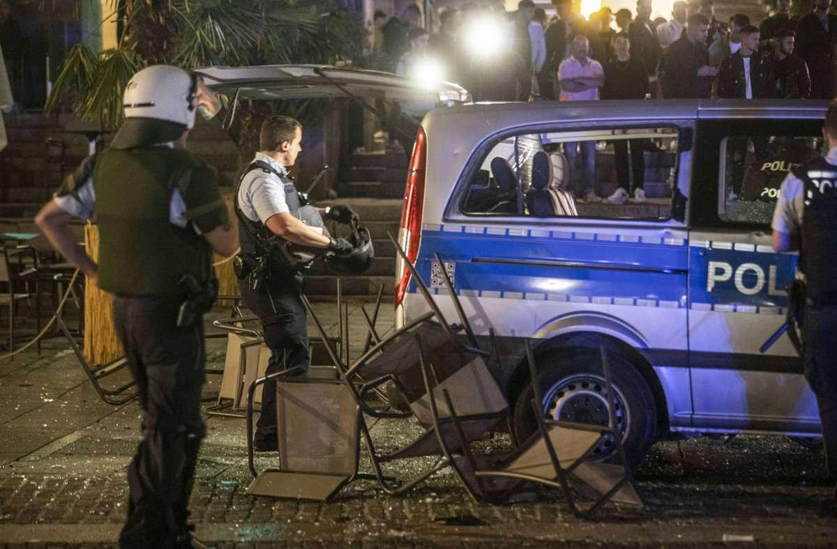 Die Polizei ist am Wochenende massiv angegriffen worden. Foto: 7aktuell/Simon Adomat