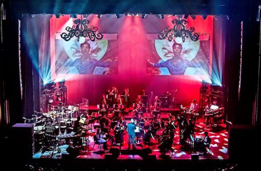 Eine besondere Würdigung von Prince: ein 27-köpfiges Sinfonie¬orchester,eine prominent besetzteLive-Band und eine State-of-the-Art-Produktion.