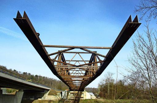 Bei Vaihingen/Enz wird eine Brücke abgebaut