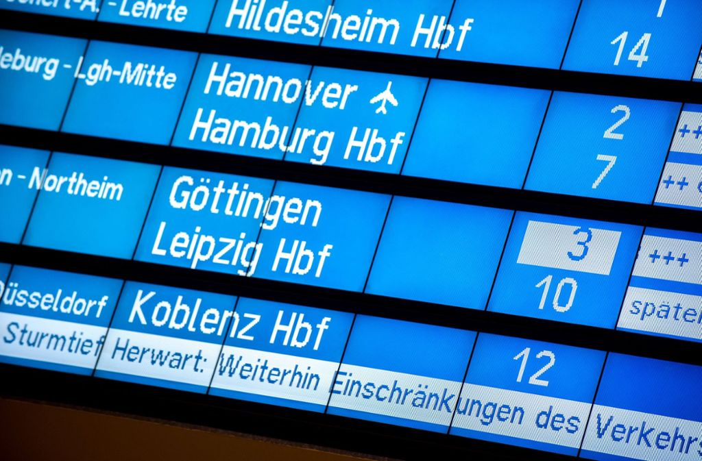 Die Bahn rechnete vor allem in der Mitte und im Süden Deutschlands mit Folgen des Sturms. Foto: dpa