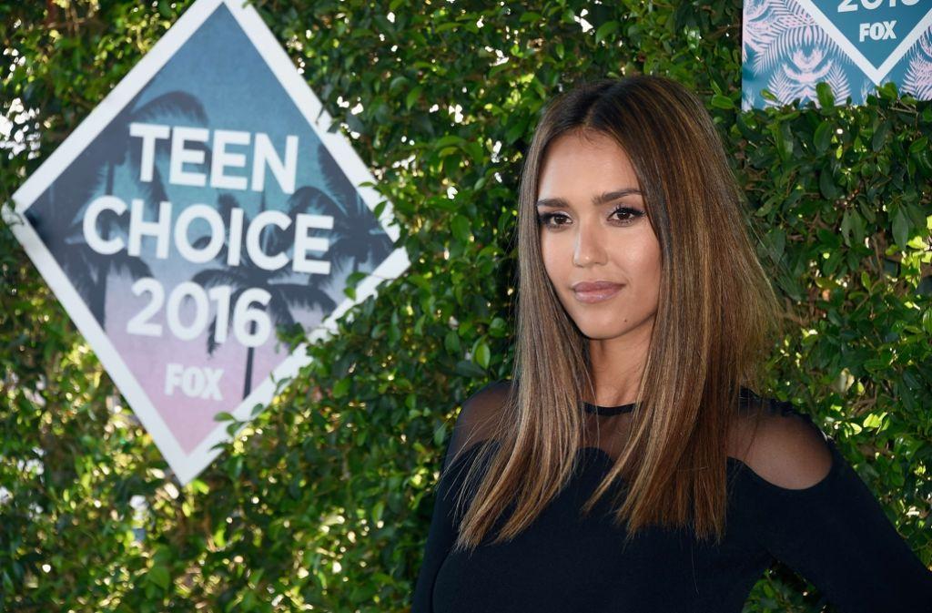 """Ernstes Anliegen bei einem Unterhaltungs-Event: die Schauspielerin Jessica Alba rief bei den Teen Choice Awards zu """"Frieden und einem Ende der Gewalt"""" auf. Foto:"""