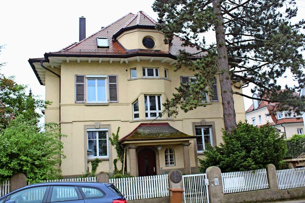 In der Nachkriegszeit wohnten Theodor Heuss und Elly Heuss-Knapp (rechts) einige Jahre  in diesem Haus an der Löwenstraße. Foto: Tilman Baur