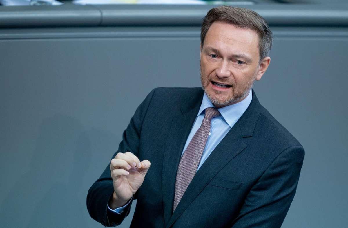 Christian Lindner (FDP) sprang dem frischgebackenen CDU-Chef Armin Laschet zur Seite. (Archivbild) Foto: dpa/Kay Nietfeld
