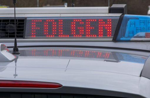 Polizisten erkennen Schlaganfall-Anzeichen bei unsicherem Fahrer