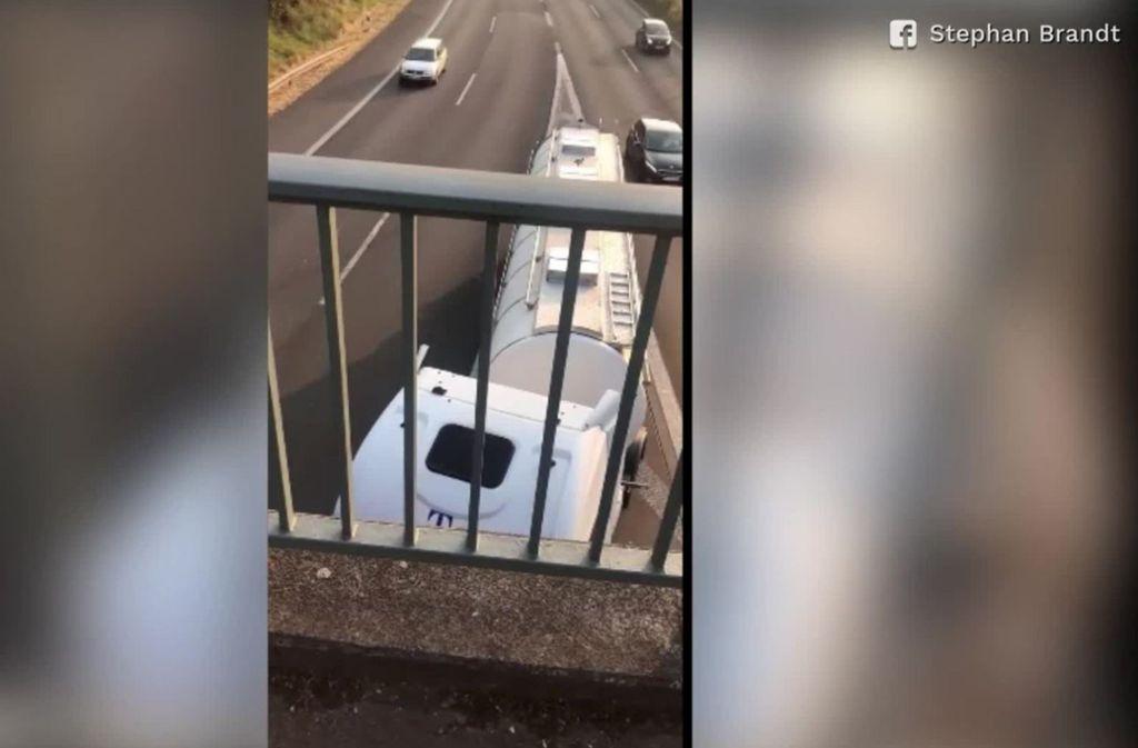 Ein Passant hat das Fahrmanöver mit einem Smartphone gefilmt Foto: Glomex/Sat.1