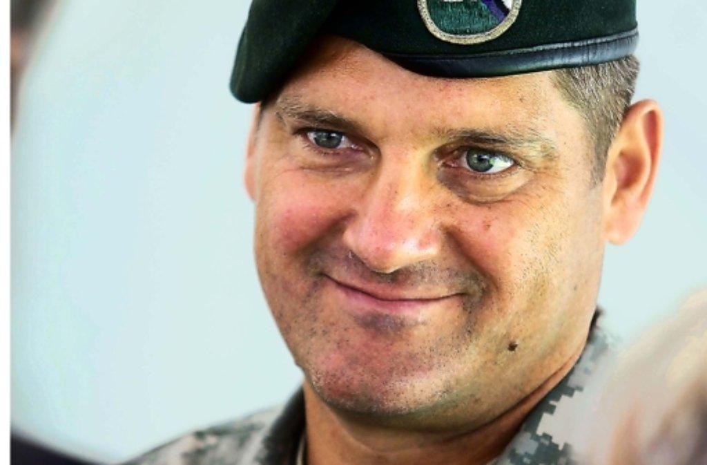 Der Colonel verspricht Foto:factum/Granville