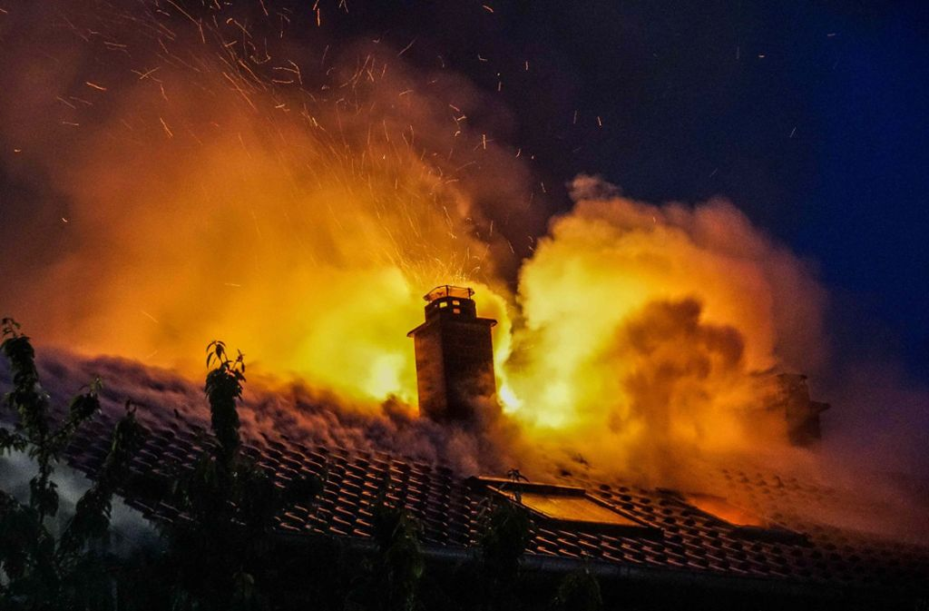 Schwerer Brand in Esslingen Foto: SDMG