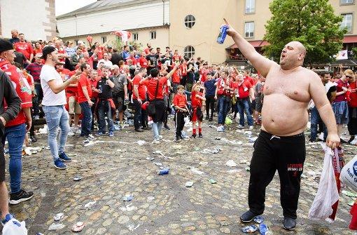 Liverpool-Fans singen sich warm