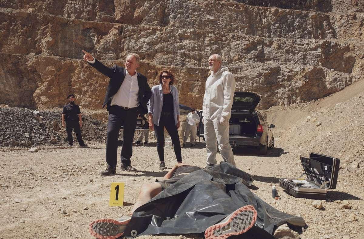 Die Ermittler Moritz Eisner (Harald Krassnitzer, li.) und Bibi Fellner (Adele Neuhauser) haben wieder eine Leiche. Foto: ORF