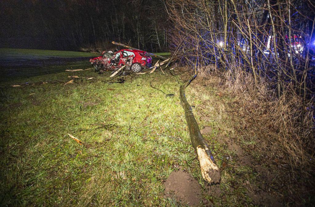 Ein 20-Jähriger ist am Samstagmorgen bei einem Unfall ums Leben gekommen. Foto: 7aktuell.de/ | Simon Adomat