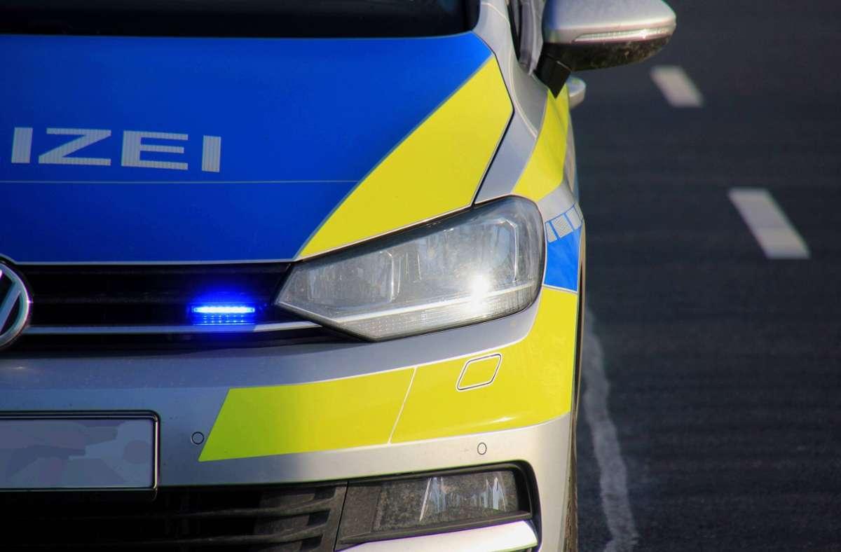 Die Polizei nahm in Esslingen einen jungen Mann fest, der versuchte sich einer Kontrolle zu entziehen (Symbolfoto). Foto: imago images/Die Videomanufaktur/Martin Dziadek via www.imago-images.de